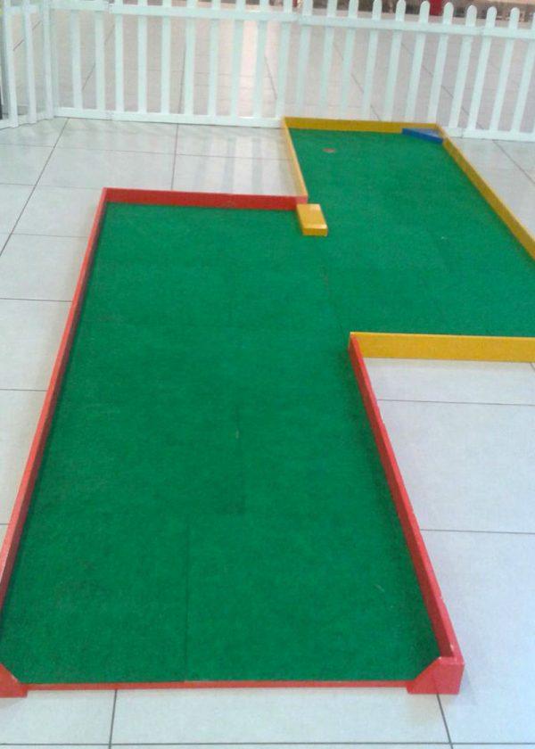 mini golf hire