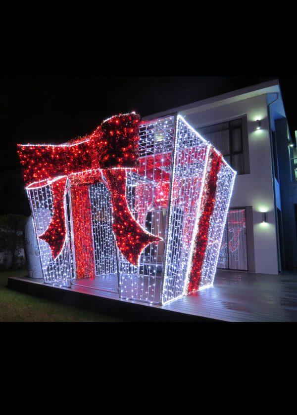 Giant Illuminated Gift Photo
